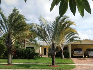Recently renovated & fully furnished vacation home, Deerfield Beach