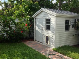 Recently renovated & fully furnished vacation home