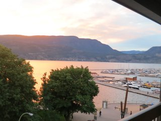 Waterfront  2 bdrm newly renovated condo downtown, Kelowna