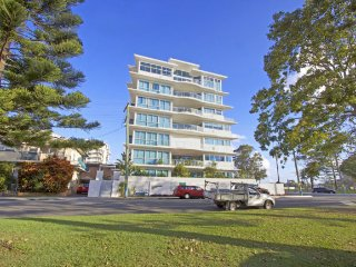 Neilson on the Park Unit 1, Tweed Heads
