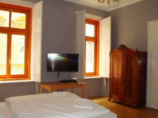 Market Square Apartments 2 Bedrooms 75 m2