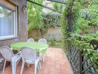 Garden House near Trastevere, Historical Center