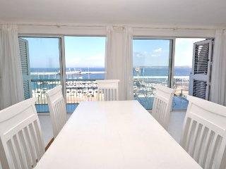 Apulia - Gallipoli, Luxury beachfront apartment with 3 bedrooms, 2 bathrooms