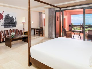 Junior Suite, The Ritz- Carlton, 3 persons, Guia de Isora