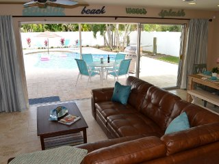 Hammock Beach House w Private Pool Steps to Beach, Deerfield Beach