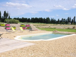 Superb villa avec piscine 8couchages face Alpilles, Chateaurenard