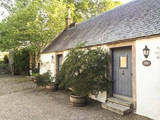SWEETPEA COTTAGE, single-storey accommodation, woodburner, walled garden
