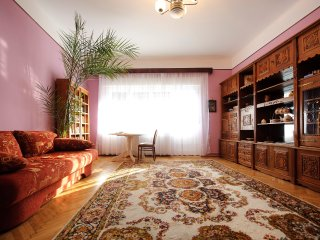 Charming Old Town apartment, Brasov
