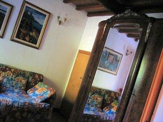 Casa in pietra in antico borgo tra i boschi, Pistoia