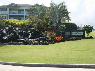Best location in newer complex with panoramic ocean views and central A/C., Kailua-Kona