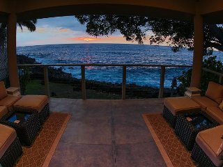 Kona Bay Oceanfront Home – Check out our Virtual Tour!, Kailua-Kona