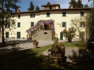 Il Valecchiese, apt in tuscan country villa