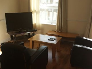 2 bedroom apartment Georgian Building, Dublin