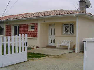Maison Villa pour 6 pers à 50m de la plage de 'La Chambrette' au VERDON sur MER