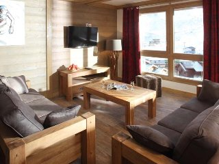 Chalet Carmen - 6 bed apartment (3 en-suite rooms)