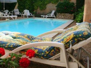 La Plume A1 er jardin piscine Luberon Provence