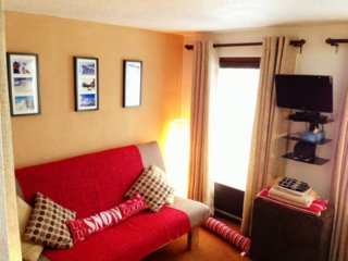 Self-catered ski-in/ski-out studio apartment, Les Gets
