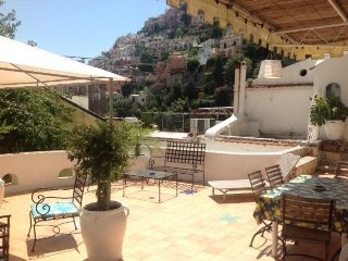 STUNNING VILLA WITH PRIVATE TERRACE, Positano