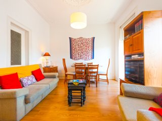 Comfortable duplex in trendy Barrio Alto, Lisboa