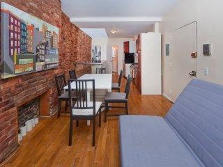 Gorgeous Duplex 2 bed/1.5 bath prim location, New York City