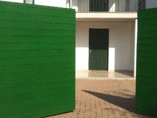 Appartamento open space con piscina e giardino, Pescara