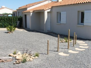 Villa in Vendee, village location, close to beach, Angles