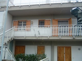 Apartment in Yellow Shade -  Air Condition and Washing Mashine