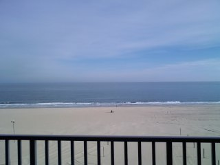 Beautiful Luxury Oceanfront/Boardwalk Front Condo!, Ocean City