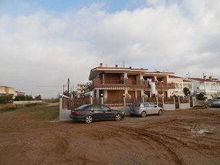 R24 Beachfront maisonette in Paralia Dionysiou