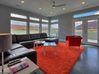 Brand New~3 Master Suite, Sleeps 12, Close to all, Moab