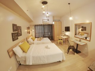 PROMO!#CLOVERPH SUITE STAYCATION IN EASTWOOD CITY, Quezon City