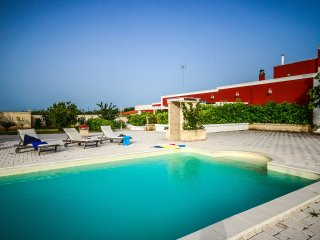 Maiorana - typical apartment in Apulian masseria with shared pool, Castellana Grotte