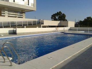 Vivienda con piscina y vistas al mar