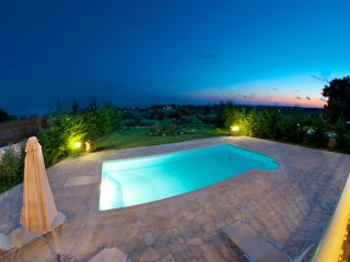 Villa with pool and wonderful sea view!, Kaligata