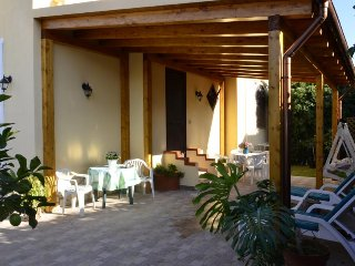 Fontane Bianche,  villa a 150 m. dal mare