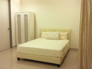 Reputable clean studio unit in golden triangle PJ