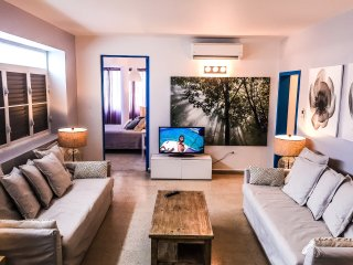 4BR/3B Suite II in Condado, Puerto Rico - WARM & SUNNY with ELECTRICITY 24/7