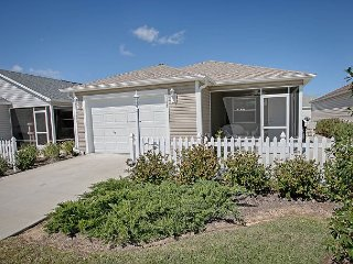 Patio Villa in a fantastic location. Complimentary gas golf cart., The Villages