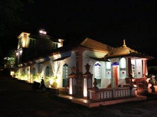 Boutique B & B ( 12 Bedrooms - 11 Baths ), Sangolda