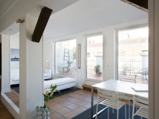 Penthouse w/ Terrace at calle Huertas, Madrid