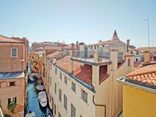 Venice Penthouse Canal View - WiFi - A/C, Venecia