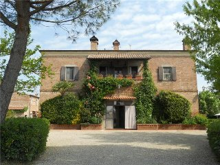 Le Manzinaie - Charming Apartment with Pool, Montepulciano