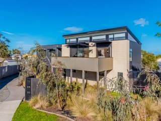 LUXE TOWNHOUSE - Inverloch, VIC