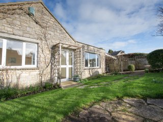 Spacious Detached Bungalow, Corfe Castle