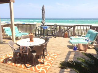 IRRESISTIBLE! HUGE 4BR GULF FRT *PRIVATE BEACH!, Destin