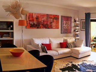 Impeccably decorated 2 bed. Apt with Balcony, Cascais