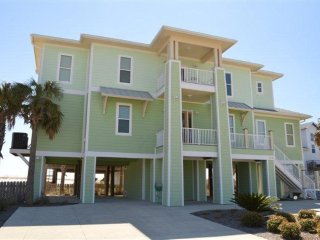 NEW UPSCALE 4BR BEACH HOUSE-100 yards to the gulf
