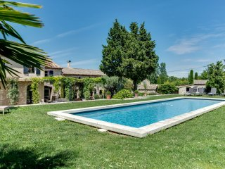 Sublime, charming farmhouse in Saint-Remy, St-Rémy-de-Provence