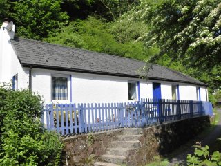 Cwm Curyll Cottage, Laugharne