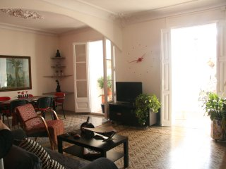 Centrally located apartment near Pl. Catalunya